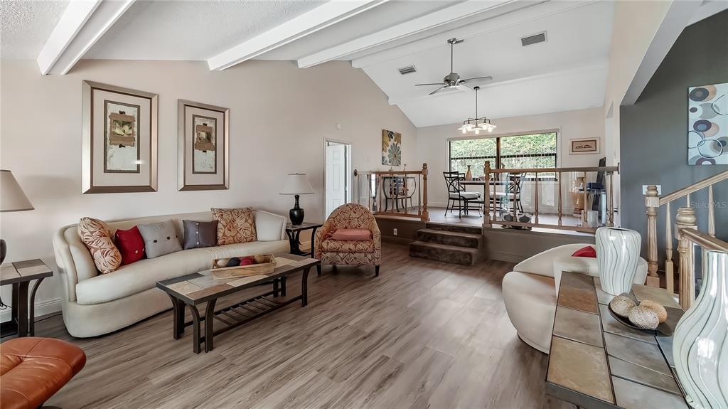 550 E Lakeshore Drive Property Photo 12
