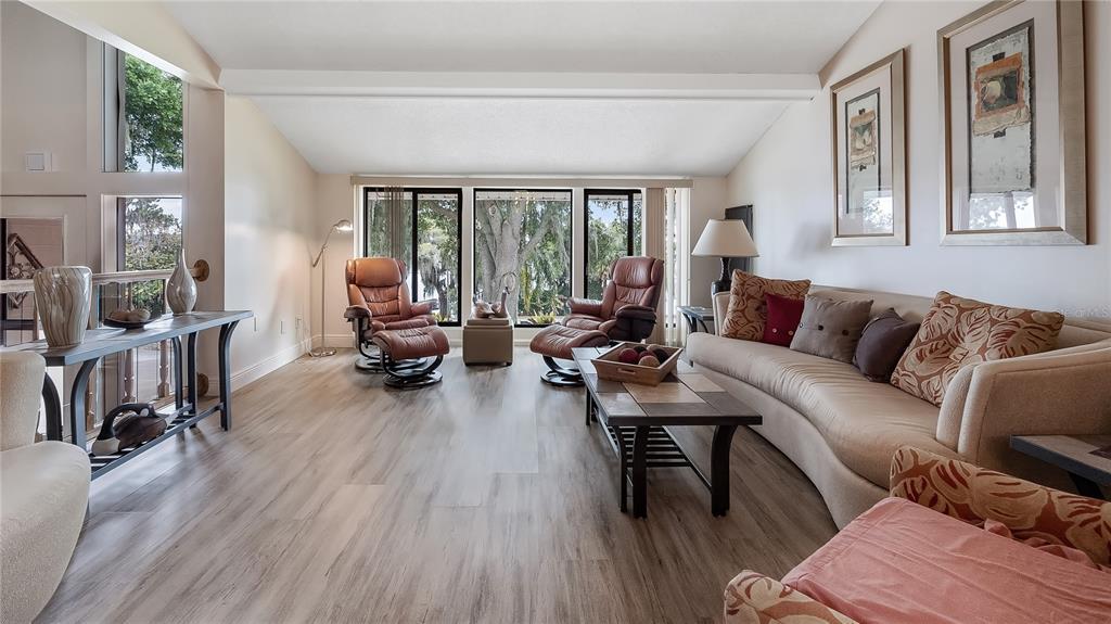550 E Lakeshore Drive Property Photo 13