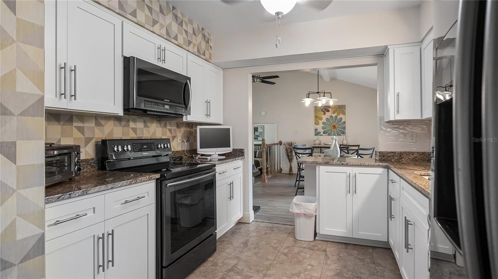 550 E Lakeshore Drive Property Photo 19