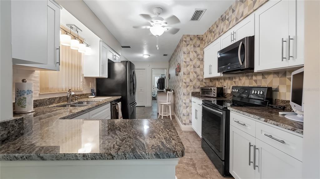 550 E Lakeshore Drive Property Photo 20
