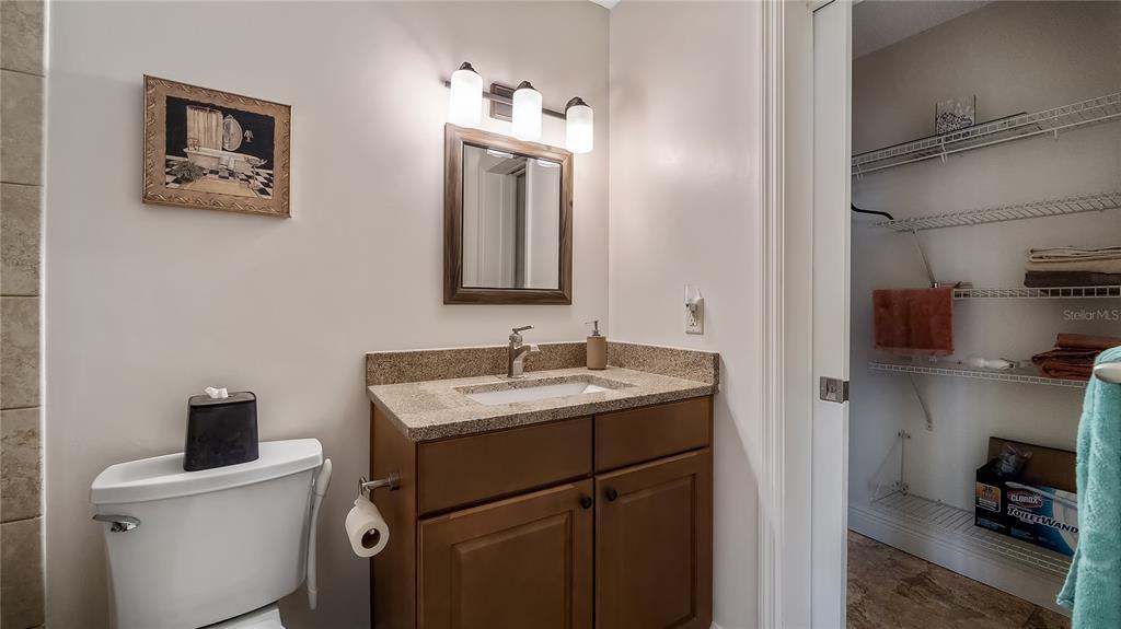 550 E Lakeshore Drive Property Photo 28