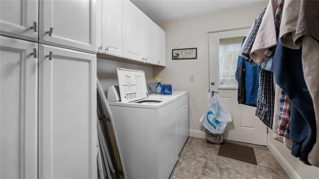550 E Lakeshore Drive Property Photo 33