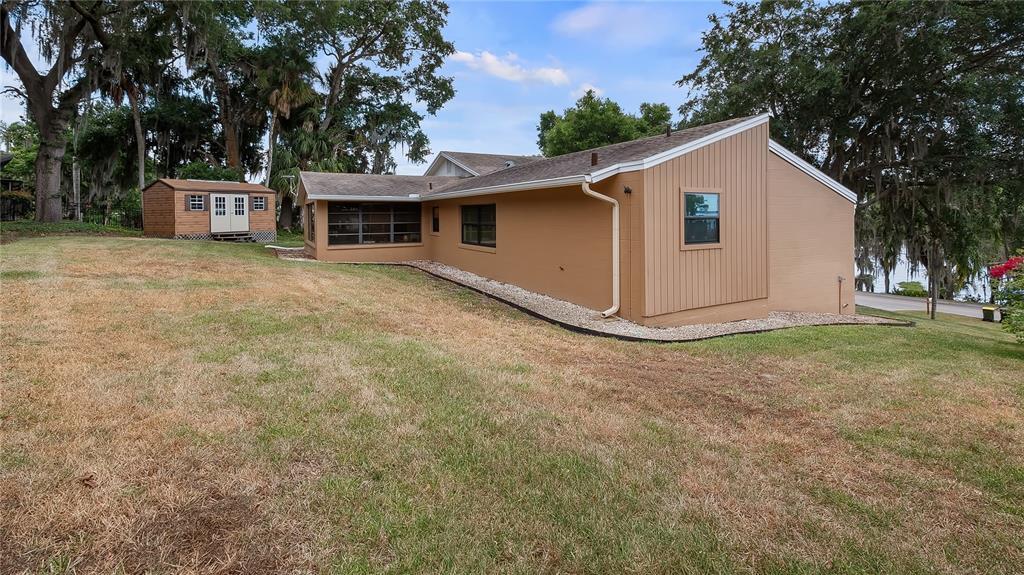 550 E Lakeshore Drive Property Photo 35