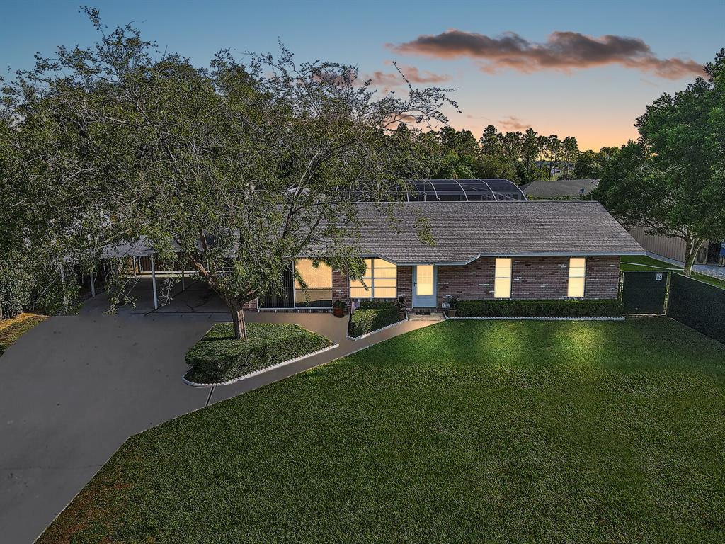 16907 Ridgewood Avenue Property Photo 1