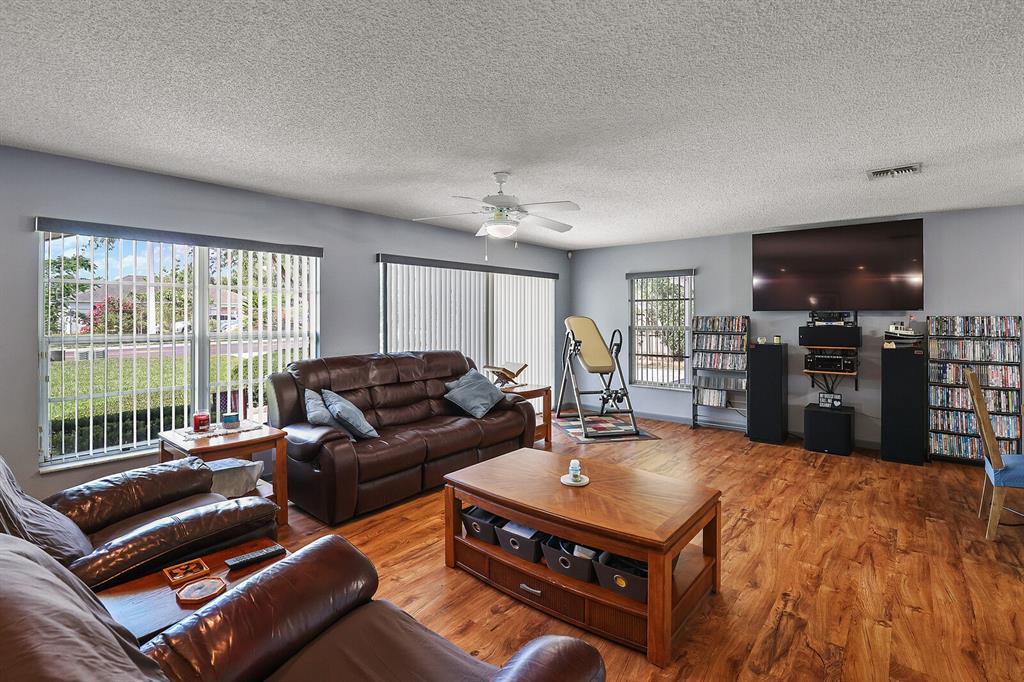 16907 Ridgewood Avenue Property Photo 17