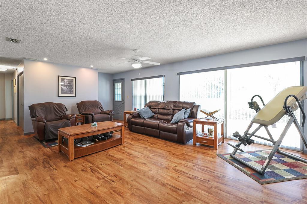 16907 Ridgewood Avenue Property Photo 19