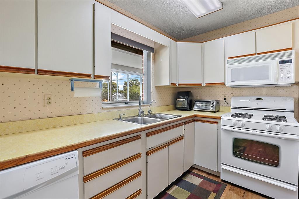 16907 Ridgewood Avenue Property Photo 23