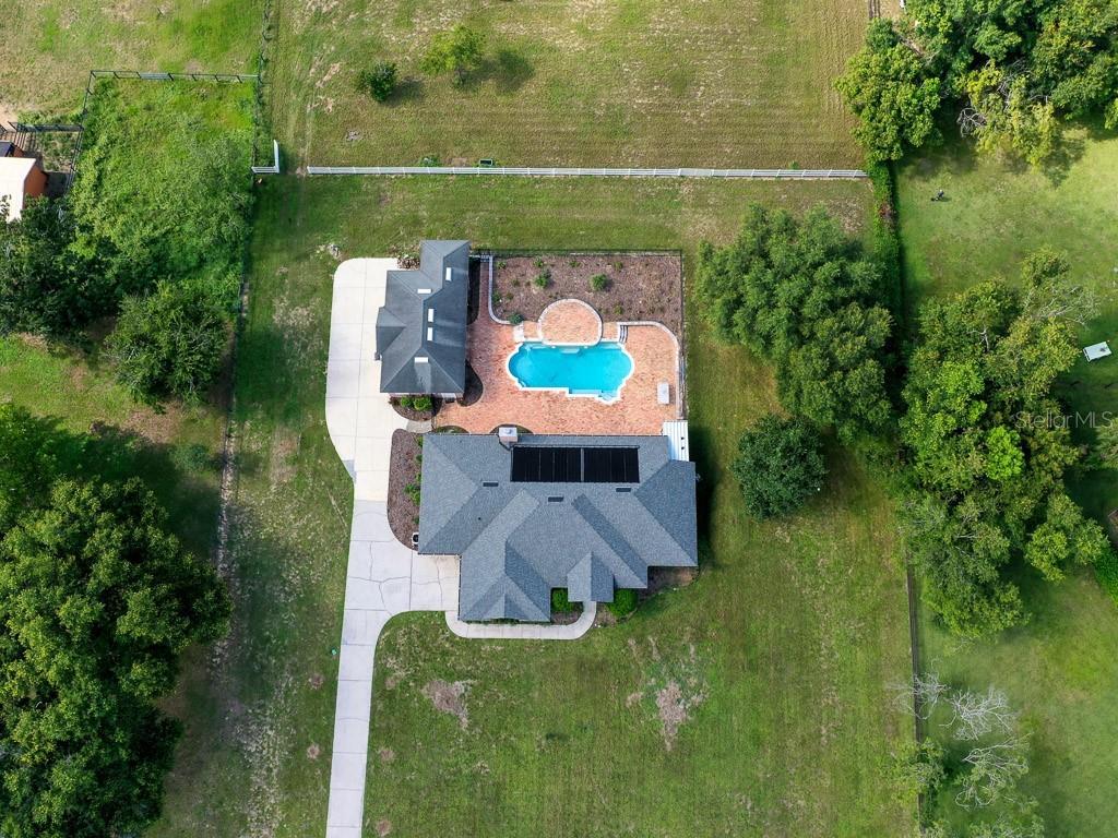15144 Thoroughbred Ln Property Photo 4