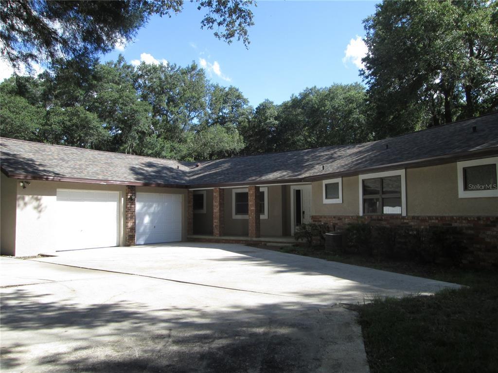 10576 S Us Highway 301 Property Photo 1