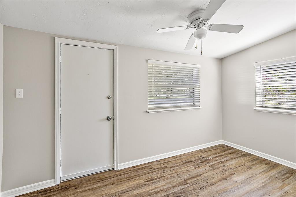 1124 E 1st Avenue Property Photo 16