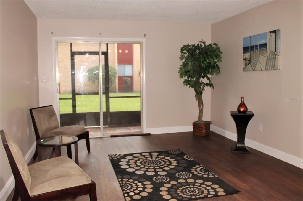 2856 N Powers Drive Property Photo 3