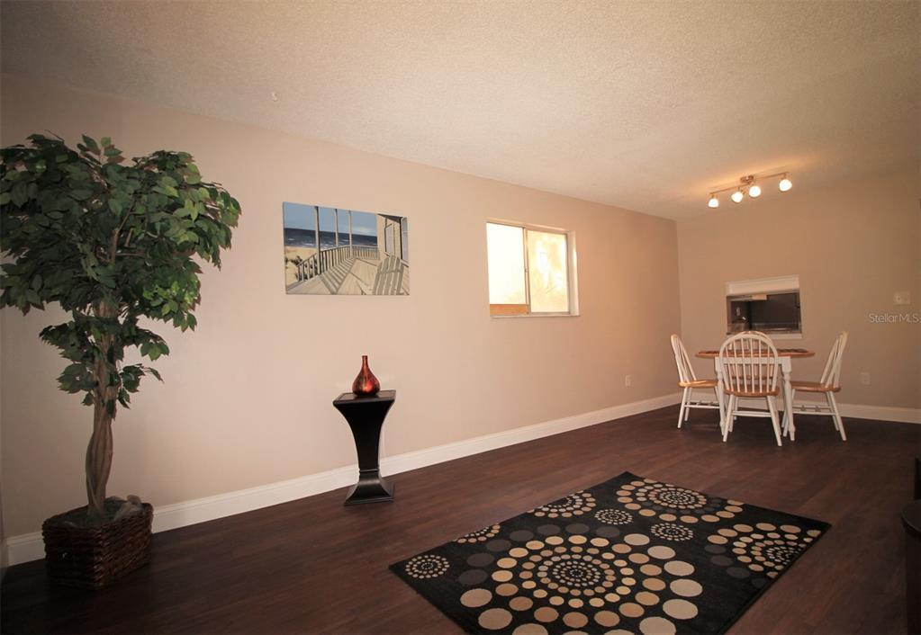 2856 N Powers Drive Property Photo 5