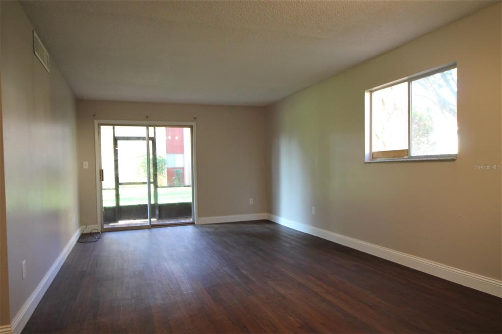2856 N Powers Drive Property Photo 6