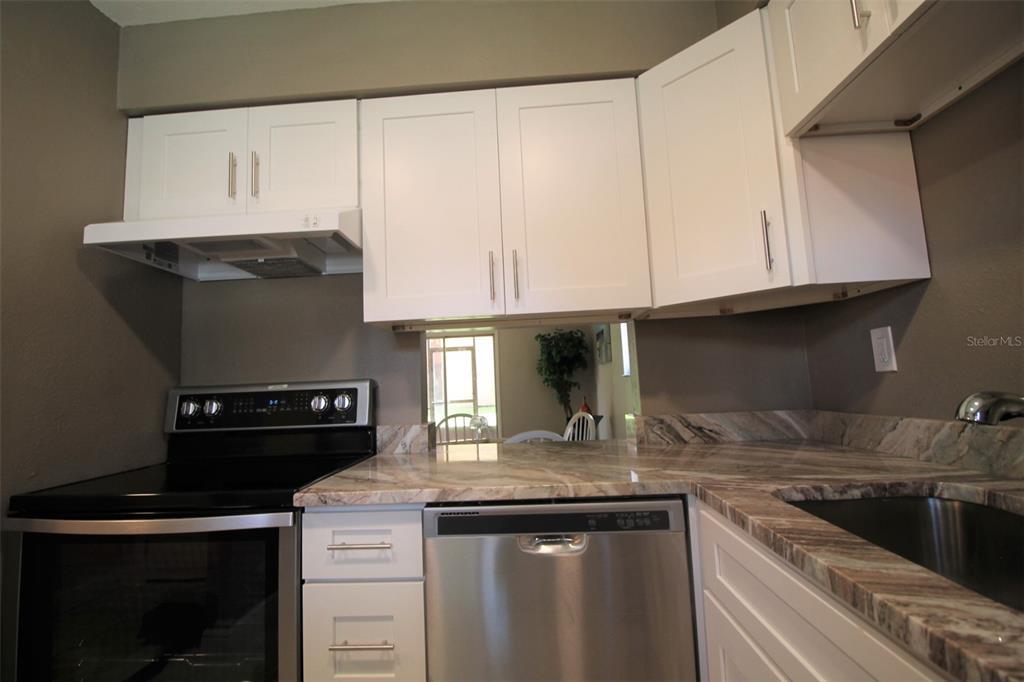 2856 N Powers Drive Property Photo 9