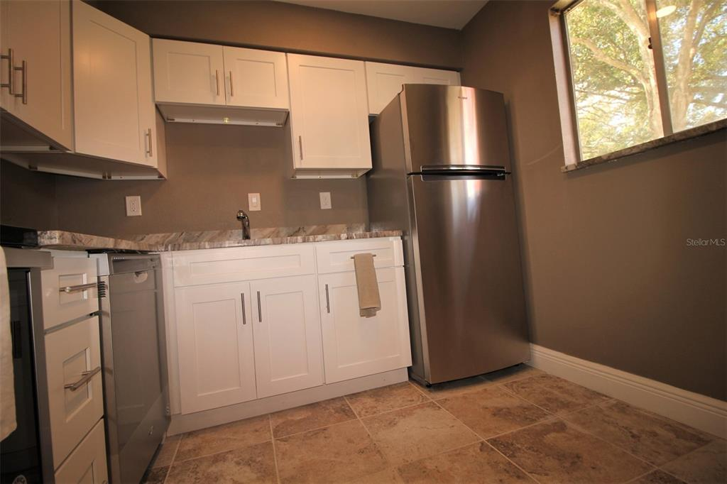 2856 N Powers Drive Property Photo 11