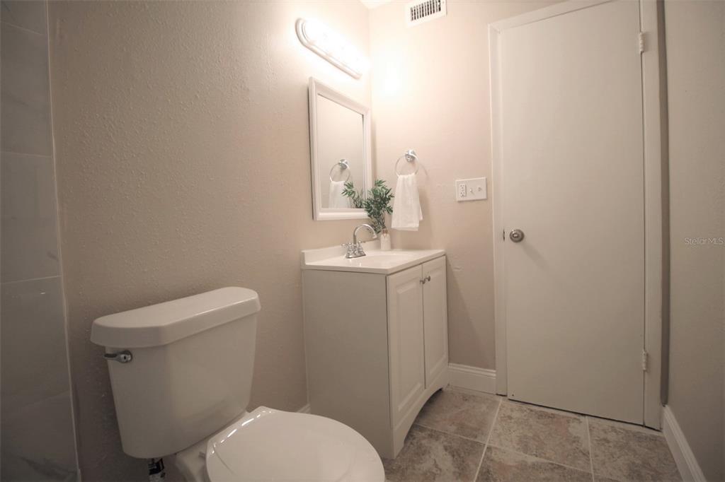 2856 N Powers Drive Property Photo 20