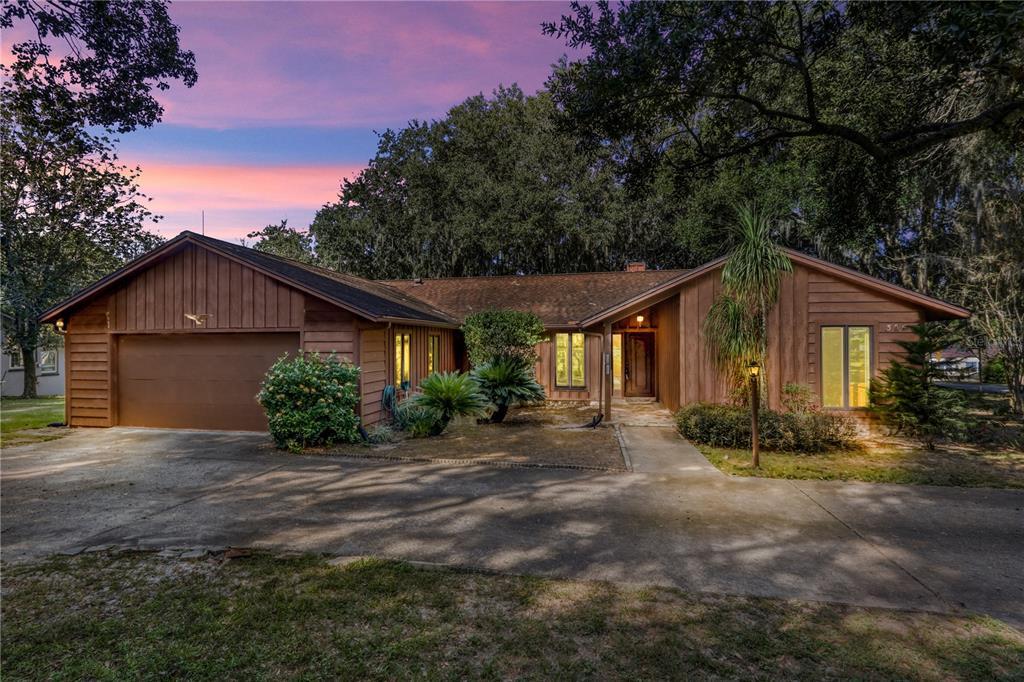 305 S Lakeshore Drive Property Photo 1