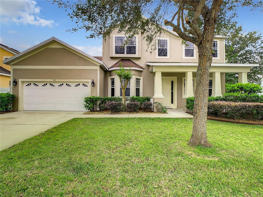 901 White Oak Way Property Photo 1