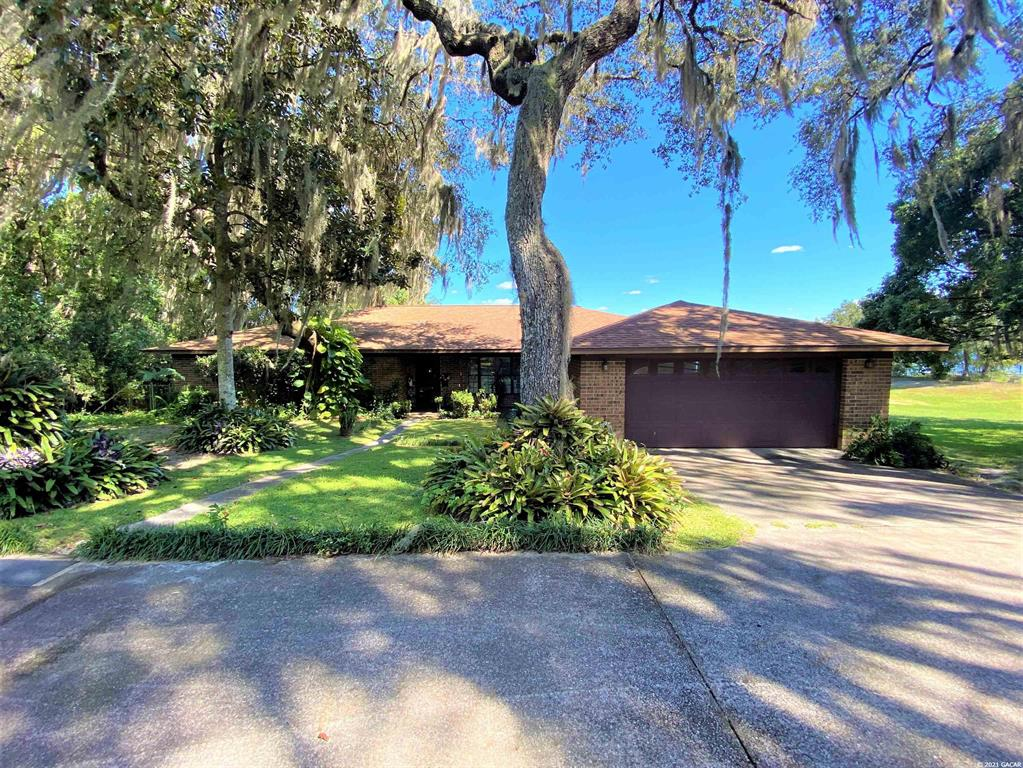 110 W Cowpen Lake Road Property Photo
