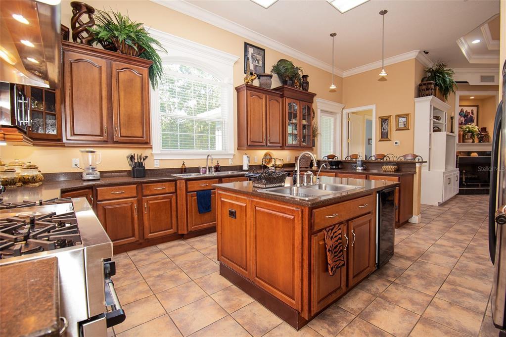 339 Howard Avenue Property Photo 16