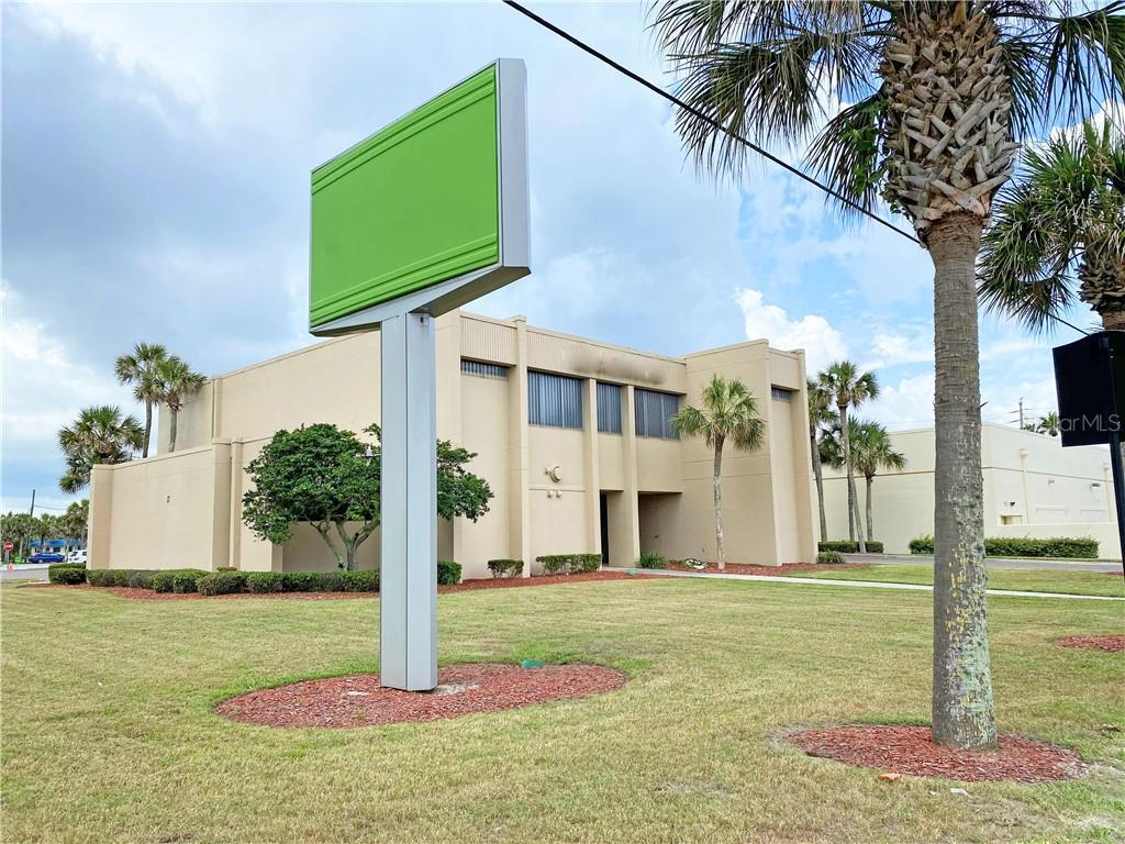 1300 S Atlantic Avenue Property Photo