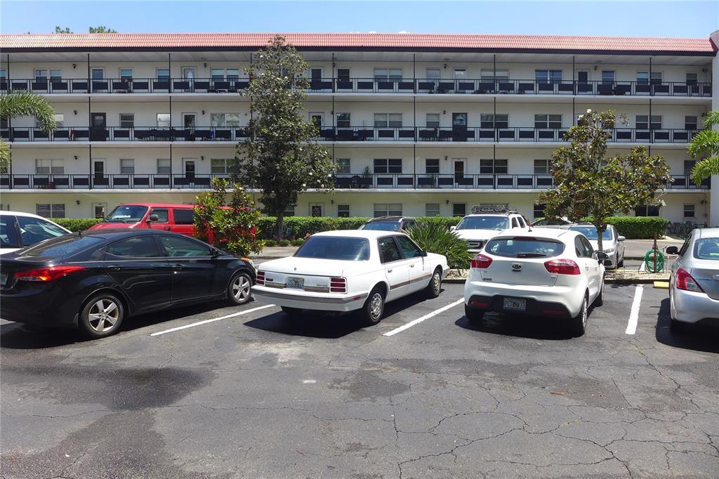 200 El Camino Drive Property Photo