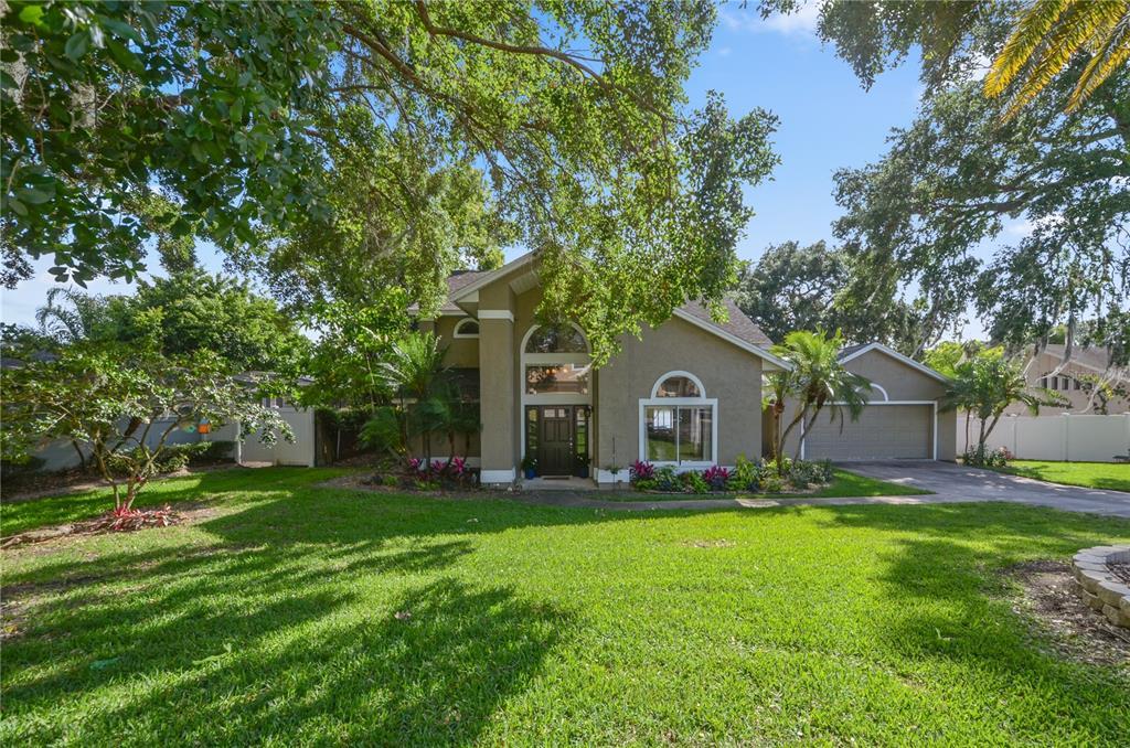 703 E Lakeshore Drive Property Photo 1