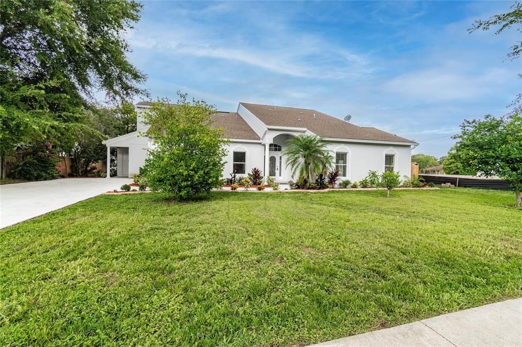 621 E Wildmere Avenue Property Photo