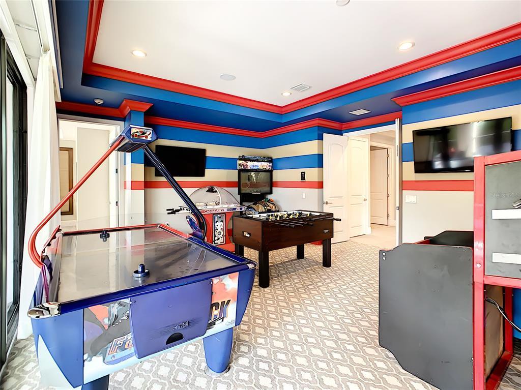 8186 Valhalla Terrace Property Photo 4