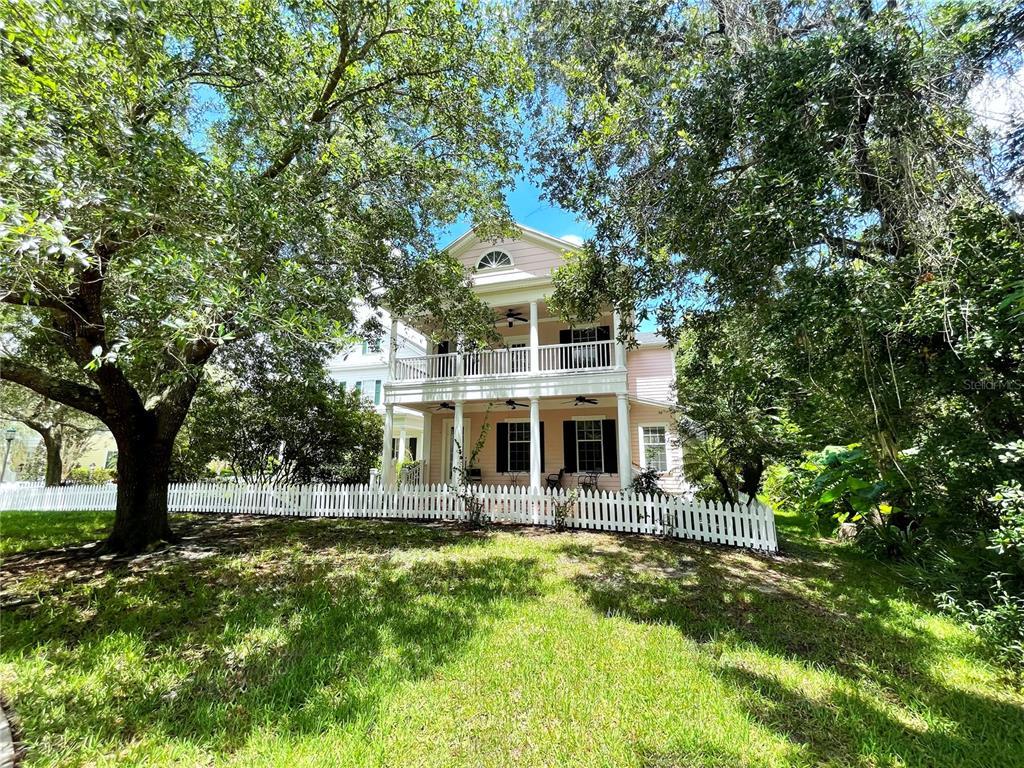 815 Lake Evalyn Drive Property Photo 1