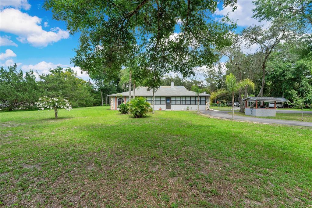 1725 N Lakewood Ave Property Photo 1