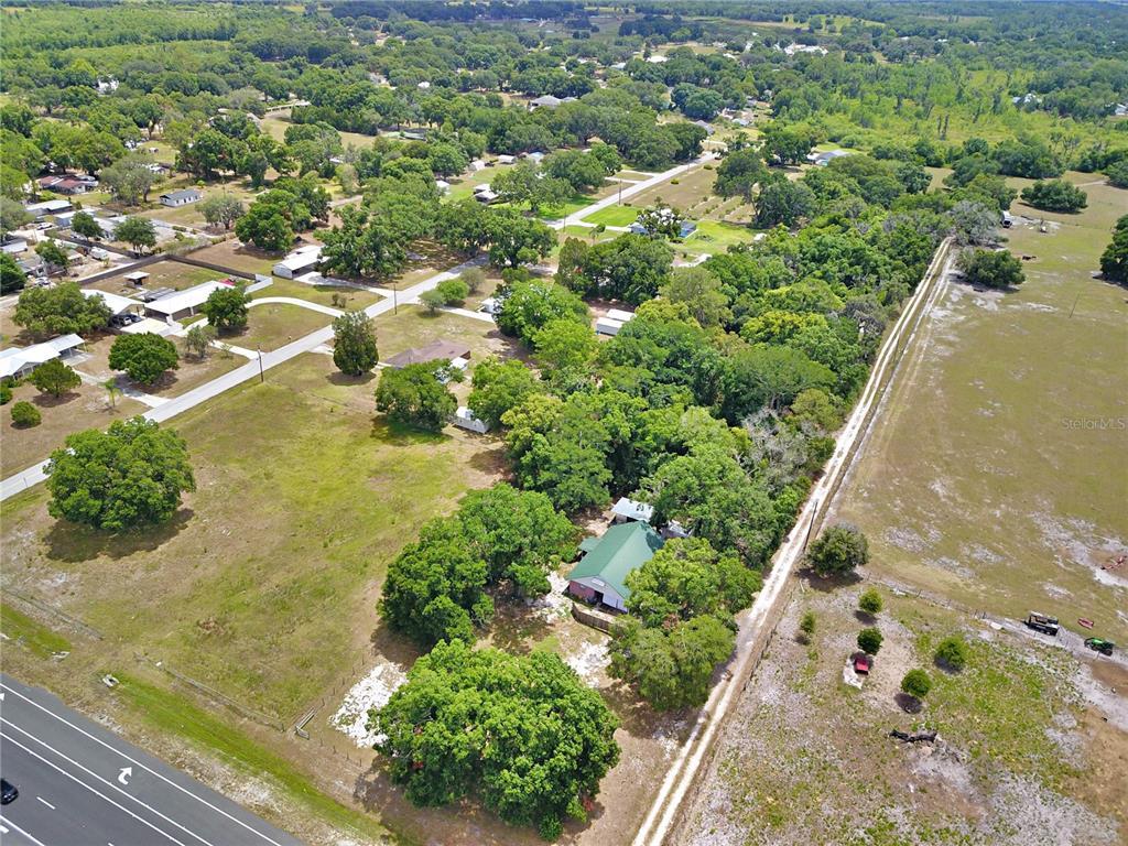 8755 Us Highway 98 N Property Photo 2