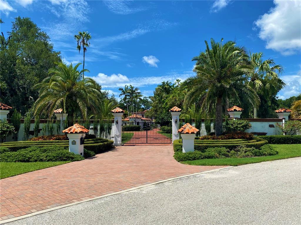 205 Hacienda Drive Property Photo 1