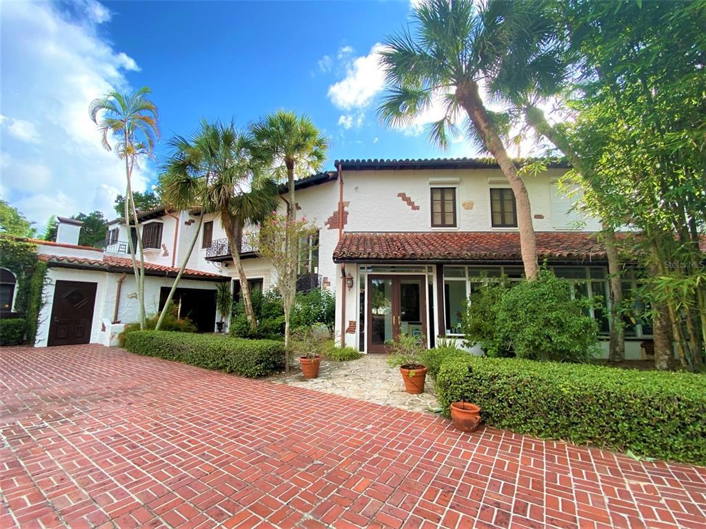 205 Hacienda Drive Property Photo 9
