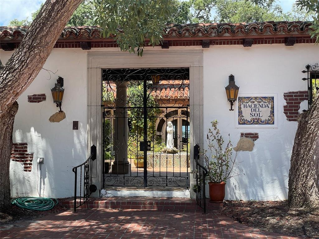 205 Hacienda Drive Property Photo 12