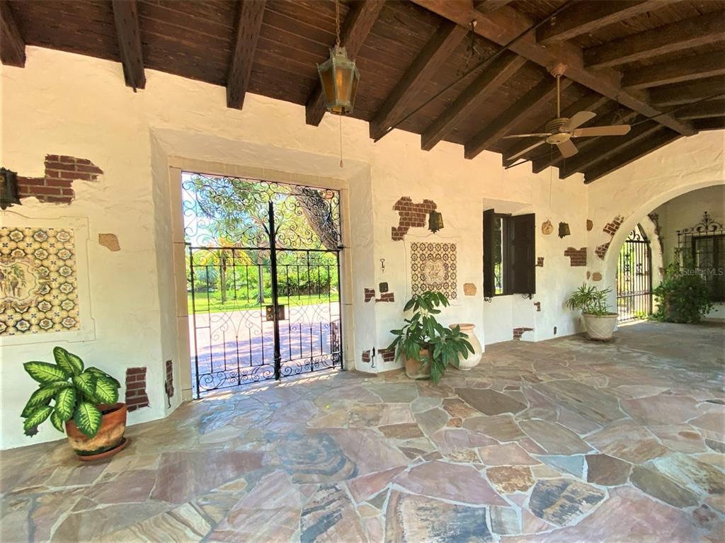 205 Hacienda Drive Property Photo 14
