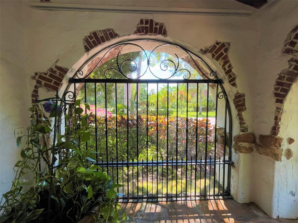 205 Hacienda Drive Property Photo 18