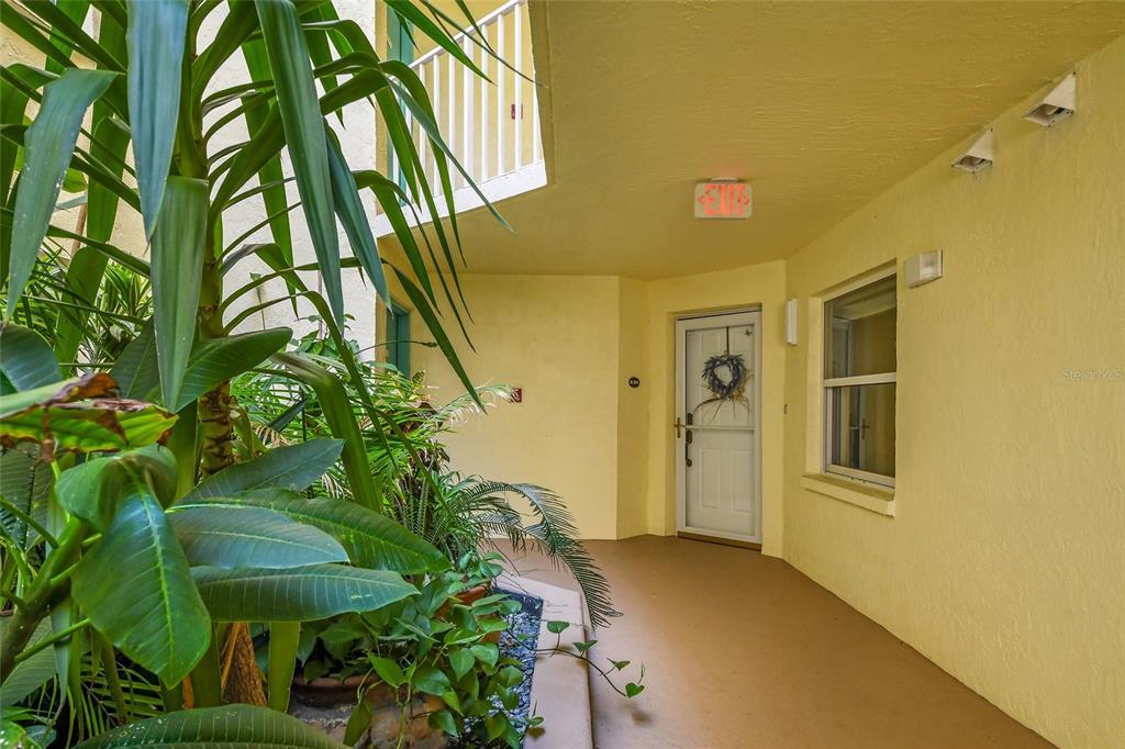8700 Ridgewood Avenue Property Photo