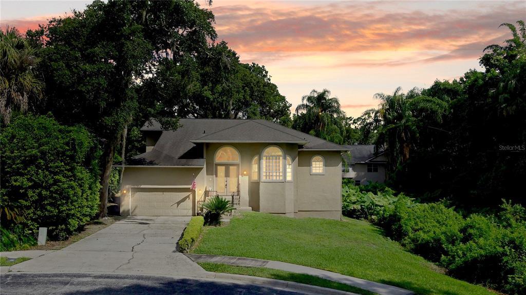 1157 Oak Tree Circle Property Photo 1