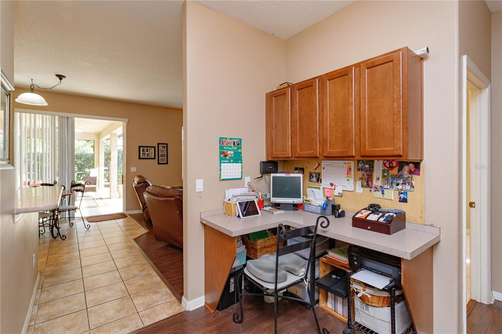 16326 Florence Oak Court Property Photo 10