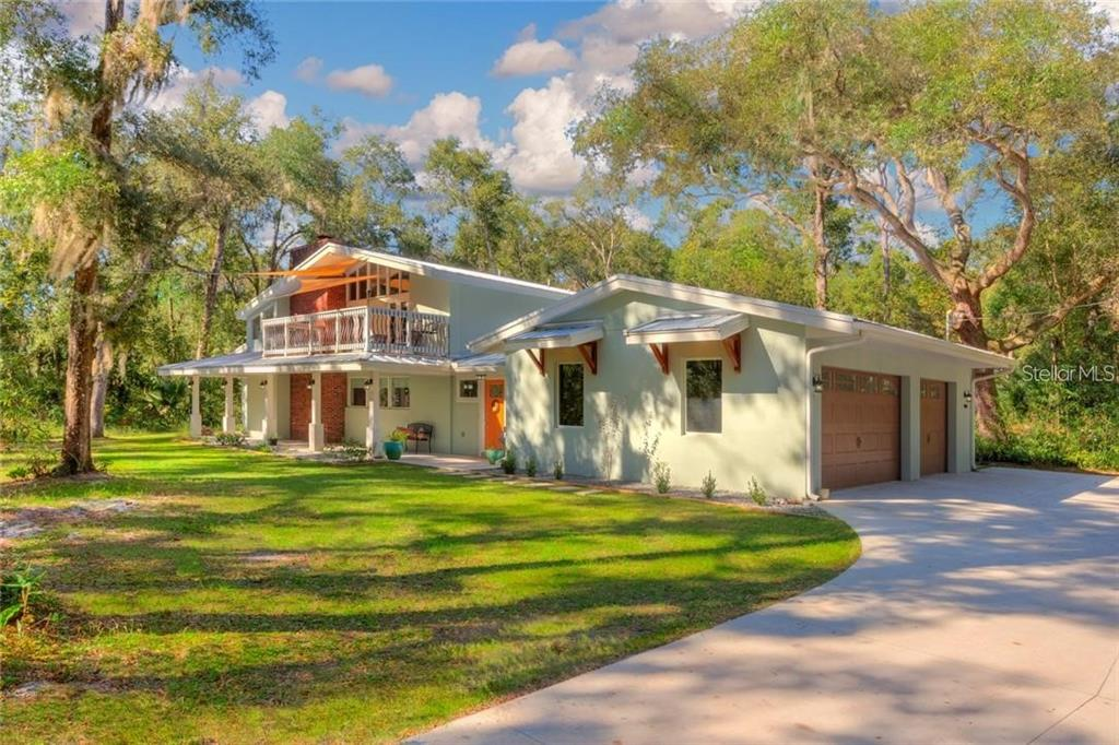 851 E Minnesota Avenue Property Photo 1