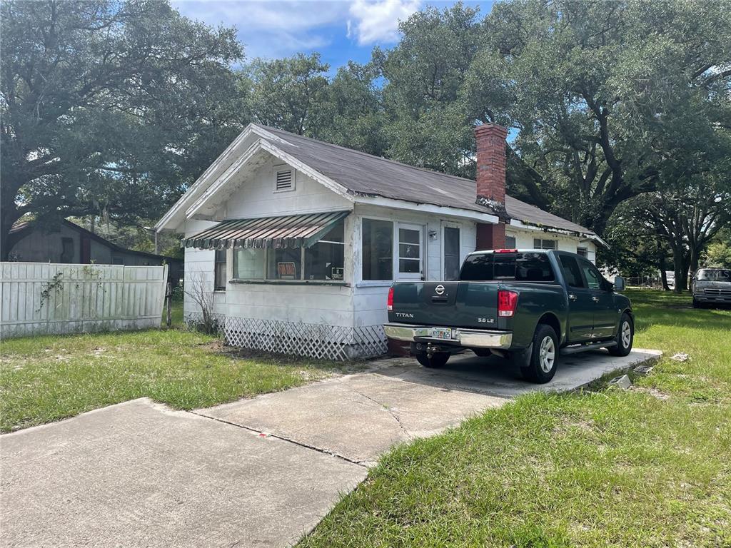2642 S Sanford Avenue Property Photo