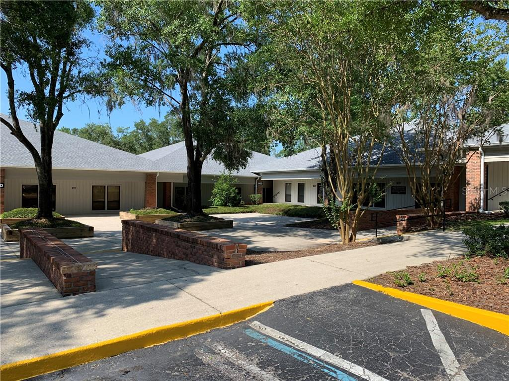 2100 Se 17th Street Property Photo 10