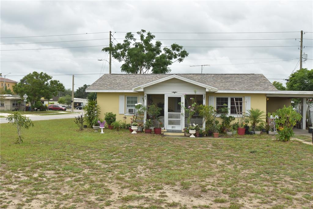 207 Townsend Avenue Property Photo 1