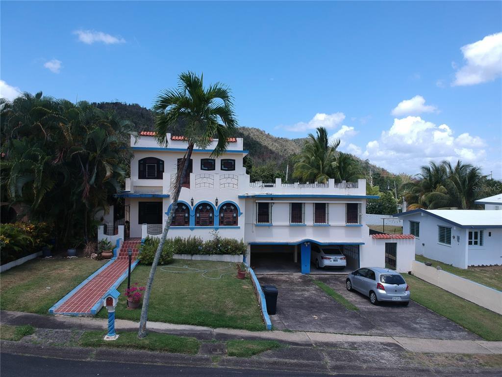 E-8 Urb. El Retiro Property Photo