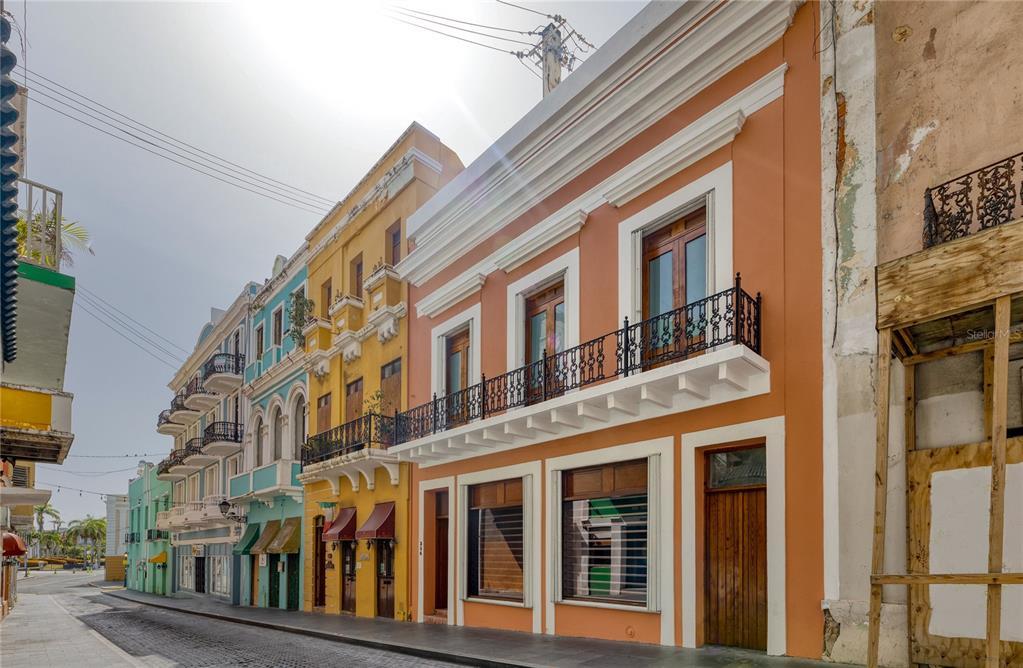 354 Fortaleza Street Property Photo 1