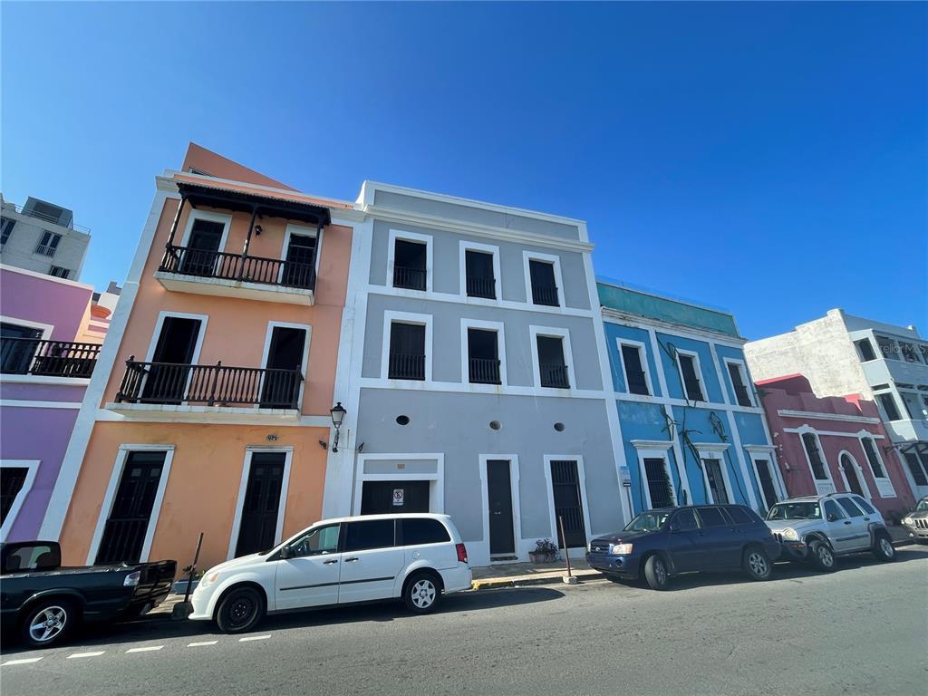418 Norzagaray Street Property Photo