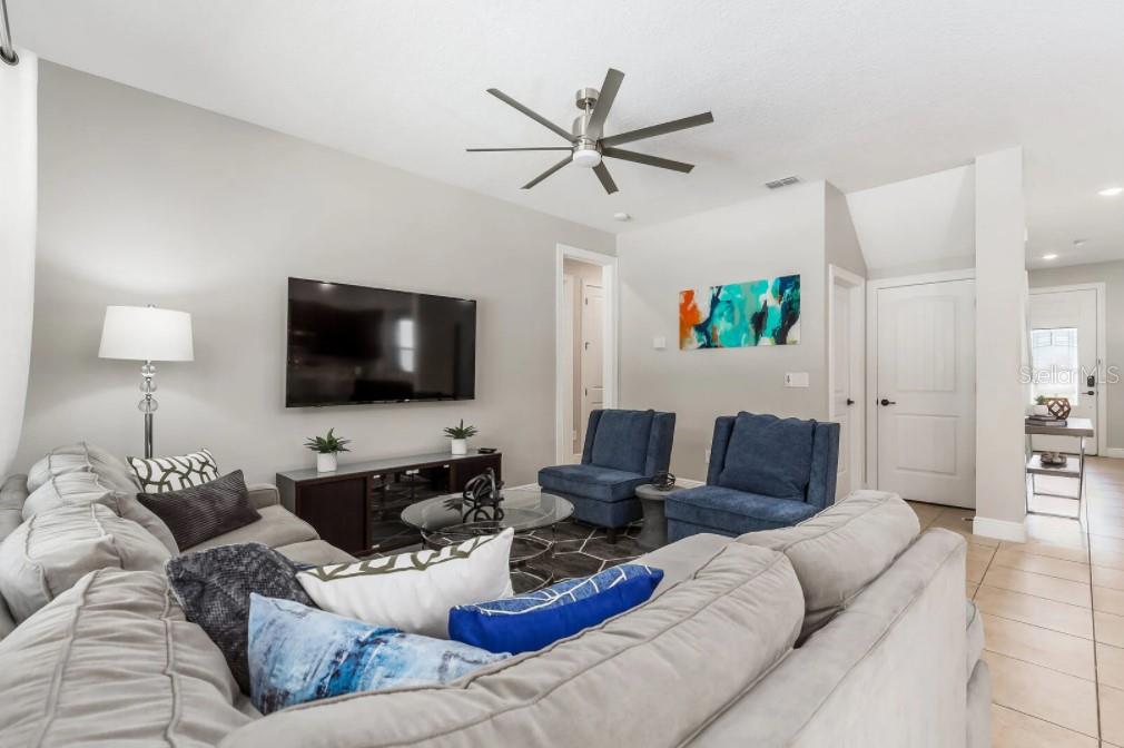 8180 Valhalla Terrace Property Photo 4
