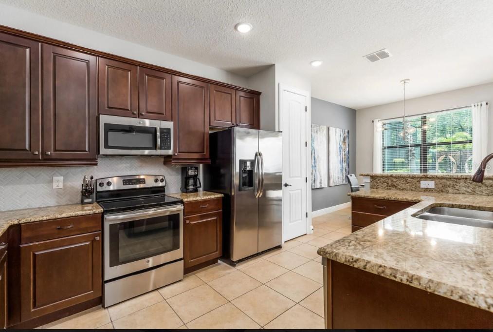 8180 Valhalla Terrace Property Photo 6