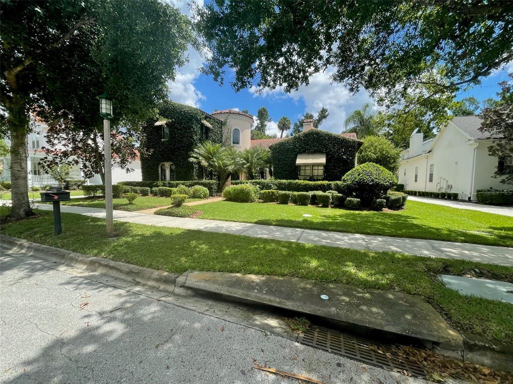 1239 Roycroft Ave Property Photo 1